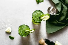 This matcha mojito recipe is the perfect healthy summer cocktail.