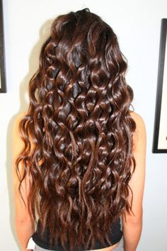 Brunette Curls - Hairstyles and Beauty Tips