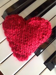 At Home with the Lunchbox Guru: Heart Puff - Knitting Pattern