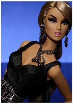 Long Look Woman Kessenia Nude | eBay