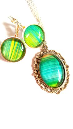 #green #paingint #brush #art #jewelry #jewelryset #dangle #earrings #pendant #necklace #spring #easter #mothersday #birthday #anniversary #graduation #love #gift #mother #daughter #wife #girlfriend #sister  jewelryagnes.etsy.com Green Paintings, Dangle Earrings, Pendant Necklace, Jewelry Art, Unique Jewelry, Spring Colors, Jewerly, Graduation, Dangles