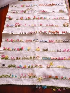 This Pin was discovered by Ayf Moda Emo, Embroidery, Trendy Hairstyles, Hairstyle Man, Tatuajes, Needlework, Needlepoint, Embroidery Stitches, Cut Work