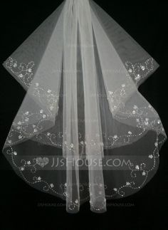 Two-tier Fingertip Bridal Veils With Cut Edge (006035454)