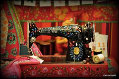 Vintage Singer Sewing Machine - Boho Style