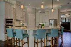 Looking for best kitchen cabinet styles for your home? Choose one that suits your kitchen design. Kitchen Cabinet Styles, Kitchen Cabinet Remodel, Farmhouse Kitchen Cabinets, Kitchen Cupboards, Home Decor Kitchen, Kitchen Interior, Kitchen Ideas, Poster Design, Poster Print