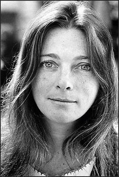 Judy Collins in her glory days -- when SHE sang Joni Mitchell's songs before Joni had a deal  . . .  Voice Teacher