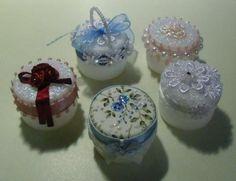 Atelier Goods | Art · | Other | How to make bottle cap pill case- brilliant!!