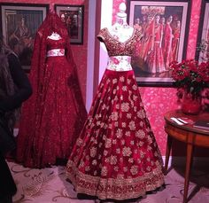 Sabyasachi lace lehenga in the back with intense work and embellishments and in front a velvet lehenga with full on zardosi. Pakistani Gowns, Indian Bridal Lehenga, Indian Bridal Fashion, Indian Bridal Wear, Pakistani Bridal, Indian Wear, Desi Wedding Dresses, Wedding Attire, Bridal Dresses