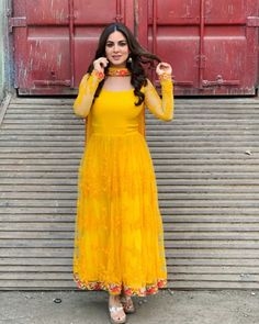 Indian Fashion Dresses, Frock Fashion, Indian Gowns Dresses, Dress Indian Style, Pakistani Dresses, Bollywood Dress, Indian Outfits, Wedding Outfits For Women, Pakistani Wedding Outfits