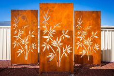 Create a eye catching wall feature or block out unappealing areas with a metal screen. Metal screens are laser or plasma cut for a clean, stylish finish. Choose from existing designs or talk to us to create your own and add wow factor to your home. Corten Steel Garden, Metal Garden Screens, Privacy Screen Outdoor, Metal Screen, Garden Dividers, Interiores Art Deco, Garden Wall Designs, Outdoor Metal Wall Art, Custom Metal Art