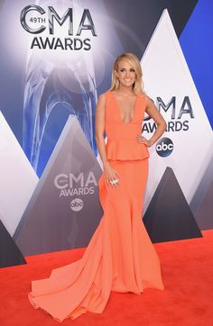 Best Dressed at the 2015 CMA Awards. Glamorous gowns from the 2015 CMA Awards. Last night celebs graced the red carpet of the Country Music Awards and we were quite impressed with all of the star-s…