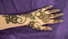 my_henna_33_by_honeyness.jpg (900×522)