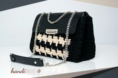 Tunnisian crochet bag..croco material black..handibrand