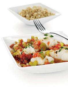 Retten kan varieres med ulik t. An exotic and low-calorie dinner dish with fish. The dish can be varied with different types of white fish! Pink Dinner Sets, Dinner Dishes, Side Dishes, Low Calorie Dinners, Breakfast Set, The Dish, Potato Salad, Exotic, Menu