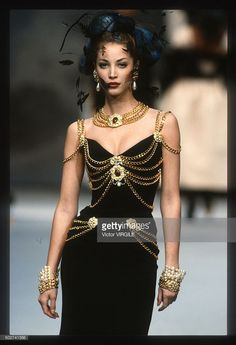 Christy Turlington walks the runway during the Chanel Haute Couture show as part of Paris Fashion Week Spring/Summer 1992-1993 in January, 1992 in Paris, France.