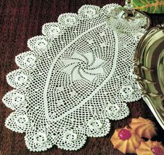 Last-Minute CHRISTMAS Pretty Oval 'Petals & Roses' Scrolled Doily in Irish-Crochet Pattern, Intricately Lacy Victorianax Irish Crochet Patterns, Crochet Motif, Knit Crochet, Lace Doilies, Crochet Doilies, Vintage Knitting, Vintage Sewing, Pineapple Crochet, Retro Home Decor