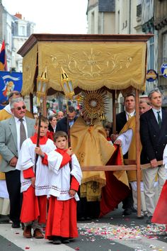 """ordopraedicatorum: """"Feast of Corpus Christi in Angers with the Dominicans of the Convent of Haye-aux-Bonshommes d'Avrillé """""""