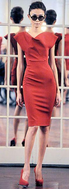 Выкройка платья-качели Виктории Бекхем http://cuturie.com.ua/vikroieka-platya-kacheli-viktorii-bekxem-40-62.html