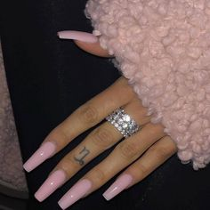 30 Beliebte Acryl Sarg Nail Designs im Jahr 2019 Seite 19 von 30 You are in the right place about gray nails Here we offer you the most Coffin Nails Long, Long Nails, Short Nails, Long White Nails, Long Nail Art, Aycrlic Nails, Hair And Nails, Manicures, Kylie Jenner Nails