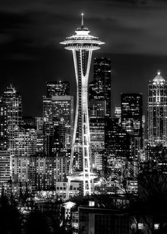 Seattle my birthplace and favorite city in the Pacific Northwest. Gray Aesthetic, Black Aesthetic Wallpaper, Black And White Aesthetic, Aesthetic Wallpapers, Seattle Photography, City Photography, Black And White Picture Wall, Black And White Pictures, Black White