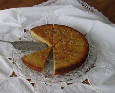 Mia's Glutenfreie Gaumenfreuden: Glutenfreier Apfelmus-Kuchen mit Rosinen und Pinienkernen