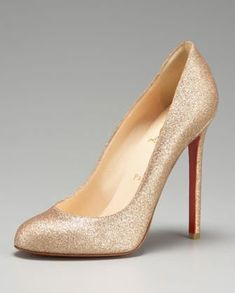 Celebrities who wear, use, or own Christian Louboutin Declic Glitter Pumps. Also discover the movies, TV shows, and events associated with Christian Louboutin Declic Glitter Pumps. Gold Bridal Shoes, Gold Shoes, Stilettos, High Heels, Basson, Cheap Christian Louboutin, Glitter Pumps, Gold Glitter, Wedding Heels
