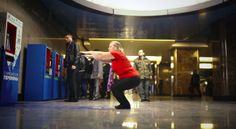 To promote the upcoming #OlympicGames, Moscow has equipped its subway stations with machines that allow commuters to do 30 squats in exchange for a free ride. Pretty awesome! #advertising #promotions #2014winterolympics #moscow
