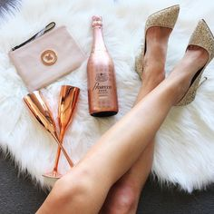 Oops I bought Prosecco instead of milk again... @brownbrothers Prosecco designed by @_mimco    @_mimco heels and clutch   @i_am_LisaT for @targetaus champagne flutes . . . #brownbrothersxmimco #prosecco #wine #drinks #bubbles #rose #cocktails #girls #drink #party #bubbly #cocktail #friends #relax #weekend #sparkle #goodtimes #yum #heels #celebrate #summer #Brisbaneblogger #fashionblogger #fblogger #instafashion #brisbanestyle #melbournestyle #gifted #everydaystyle #mimco