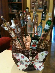 Golf Gifts My booze and cigar gift basket for the golf tournament and wine fest to benefit the Annville Memorial Day Parade. Raffle Baskets, Gift Baskets, Fundraiser Baskets, Golf Tournament Gifts, Golf Mk4, Cigar Gifts, Veterans Day Gifts, Golf Outing, Auction Baskets