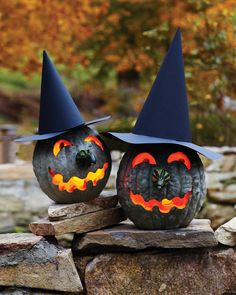 Bumpy, lumpy, and greenish gray, these Hubbard squashes have the perfect complexions for making warty witch jack-o'-lanterns. Print the Witch Jack-o'-Lantern Template