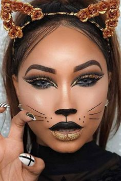 Make up pantomime - creative ideas in pictures for great make-up for Halloween and carnival - beauty home - Meow! Make up cat makeup for Halloween up - Cat Halloween Makeup, Halloween Eyes, Halloween Looks, Creepy Halloween, Cat Costume Makeup, Simple Halloween Makeup, Cat Costume Kids, Animal Halloween Costumes, Fairy Costumes