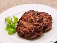 Aprende a preparar salchicha con especias para el desayuno vía es.wikihow.com