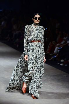 Sabyasachi channels the 70s at Lakme Fashion Week Summer/Resort 2015