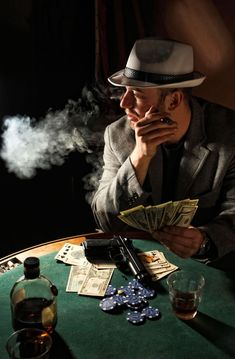 1920s Gangsters, San Mamés, Mafia Gangster, Online Gambling, Online Casino, Casino Sites, Four Hundred, Poker Night, Poker Games