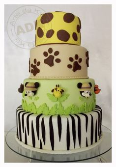 Mickey Mouse Safari Cake                                                                                                                                                      Mais