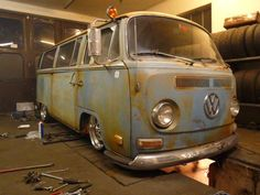 VW low light bus over the pit