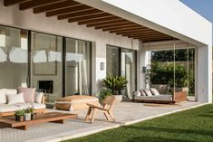 Dream away in the southern garden of Villa B in Spain Terrace Design, Villa Design, Patio Design, Modern House Design, Exterior Design, Outdoor Living Rooms, Dream House Exterior, Home Room Design, Facade House