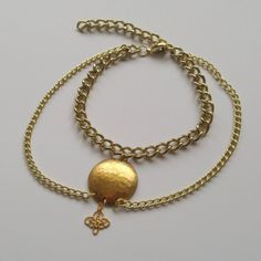 GOLDEN circle charm hanging chain anklet Unique Jewelry, Jewelry Design, Golden Circle, Hand Chain, Ankle Bracelets, Anklets, Gifts For Her, Gold Necklace, Hands