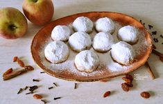 Πανεύκολα, οικονομικά, νηστίσιμα μηλοπιτάκια - cretangastronomy.gr Cream Crackers, Apple Recipes, Chip Cookies, Macarons, Camembert Cheese, Dairy, Cooking, Sweet, Desserts