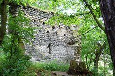Vítkovec- only one wall of the palace stay up there...distr. Česká Lípa, north Bohemia