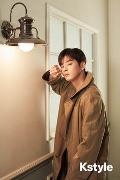 What a fine man he is. Cha Eun Woo, Astro Eunwoo, Cha Eunwoo Astro, Asian Actors, Korean Actors, Korean Idols, Lee Dong Min, Astro Fandom Name, Actor
