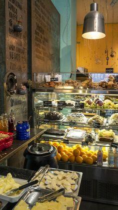 Göteborg Coffee Roaster Coffee Maker, Kitchen Appliances, Blueberries, Eat, Travel, Coffee Maker Machine, Kitchen Tools, Coffee Percolator, Home Appliances