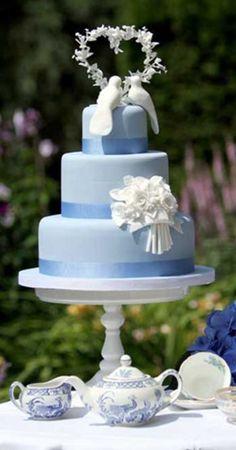 Blue wedding cake with doves #weddings