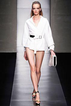 Gianfranco Ferré Spring 2012 Ready-to-Wear Fashion Show - Daria Strokous