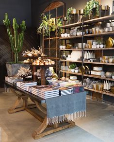 Boutique store displays, gift shop displays, shop window displays, retail b Gift Shop Interiors, Flower Shop Interiors, Store Interiors, Gift Shop Displays, Shop Window Displays, Retail Displays, Market Displays, Holiday Pops, Holiday Treats