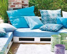 Unser Gartensofa bietet mediterranes Flair von der Palette!