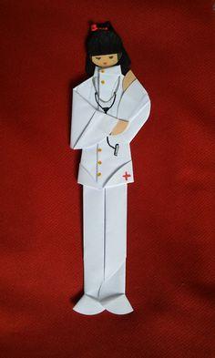 Marcador de páginas em origami Médica