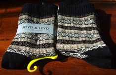 """Unisex Winter WOOL BLEND warm socks ( 2 pairs ) fit feet 8 """" - 9 in length Warm Socks, Patterned Socks, Pattern Making, Fall 2018, Leg Warmers, Warm And Cozy, 2 In, Wool Blend, Pairs"""