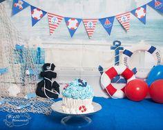 Um Lindo Smash The Cake com o tema de Marinheiro feito em casa! Joshua adorou!