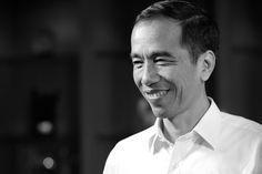 Siapa yang masih belum tahu Joko Widodo ? Presiden Indonesia yang akrab disapa Jokowi ini memang termasuk tokoh politik yang populer. Bahkan sebelum menjab